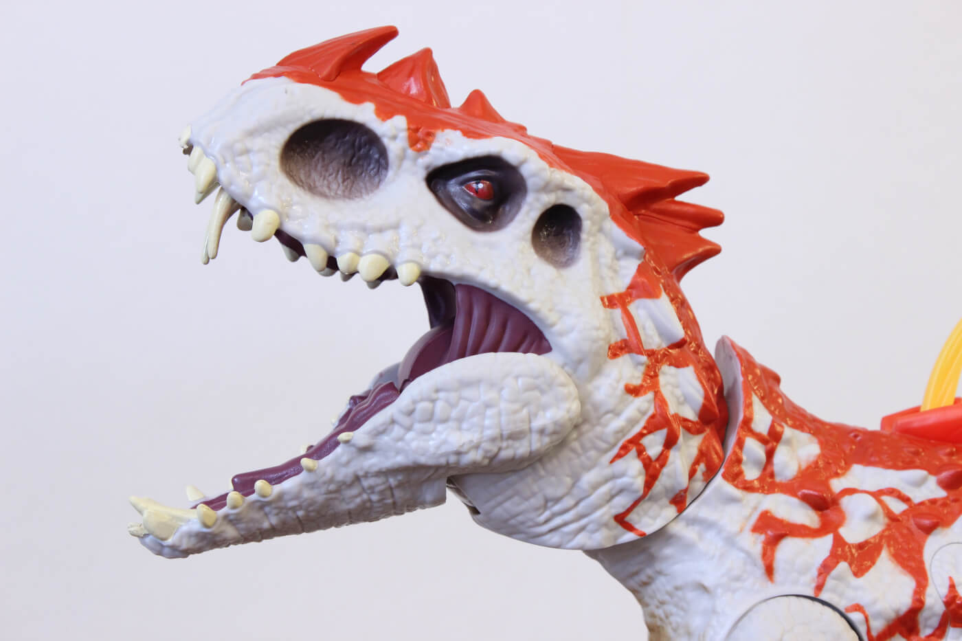 Review: Hasbro Jurassic World 'Hybrid Rampage' Indominus Rex