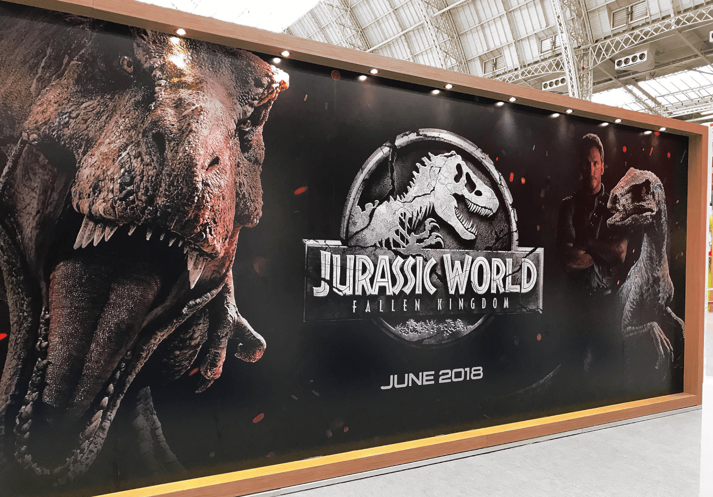 New Jurassic World Fallen Kingdom Banner Premieres at Brand Licensing Expo